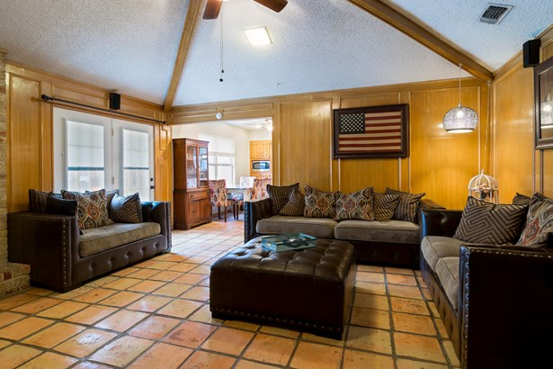 2108 Ashwood Lane, Carrollton, TX - USA (photo 5)