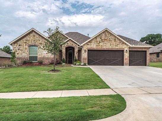 2217 Fallbrooke Drive, Grand Prairie, TX - USA (photo 1)