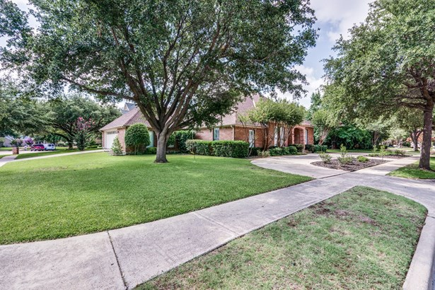 7528 Summitview Drive, Irving, TX - USA (photo 2)