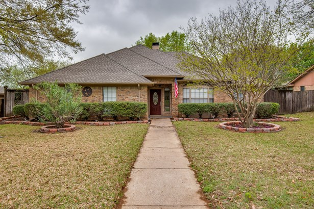 1531 Chisolm Trail, Lewisville, TX - USA (photo 2)