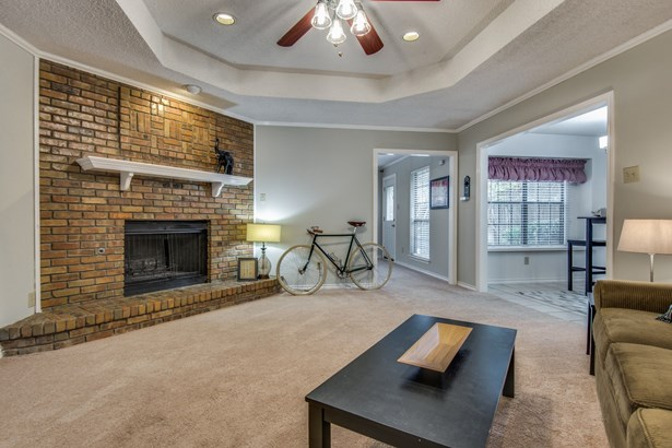 1531 Chisolm Trail, Lewisville, TX - USA (photo 5)