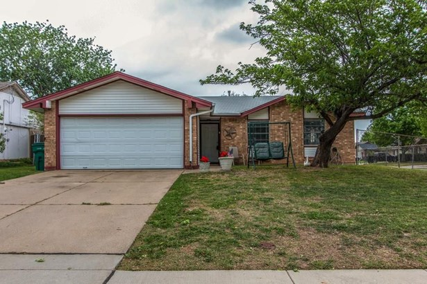 601 Bentwood Drive, Lewisville, TX - USA (photo 1)