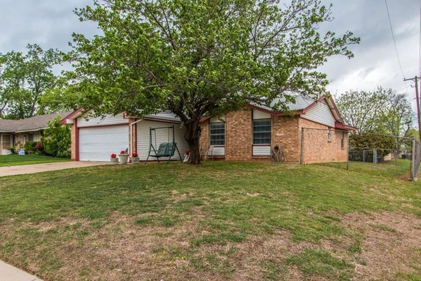 601 Bentwood Drive, Lewisville, TX - USA (photo 3)