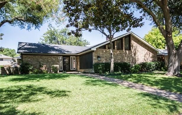 1136 Mill Springs, Richardson, TX - USA (photo 2)