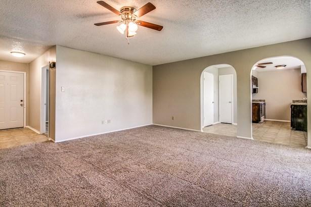 1321 Quail Drive, Garland, TX - USA (photo 2)