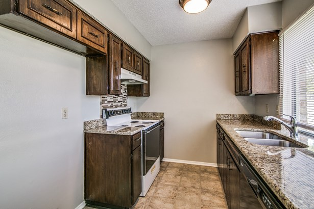 1321 Quail Drive, Garland, TX - USA (photo 5)