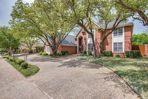 1521 Cottonwood Valley Circle, Irving, TX - USA (photo 2)