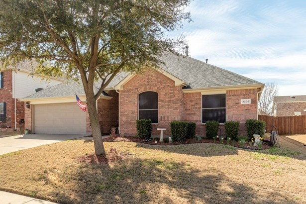 3205 Silver Point Court, Mansfield, TX - USA (photo 2)