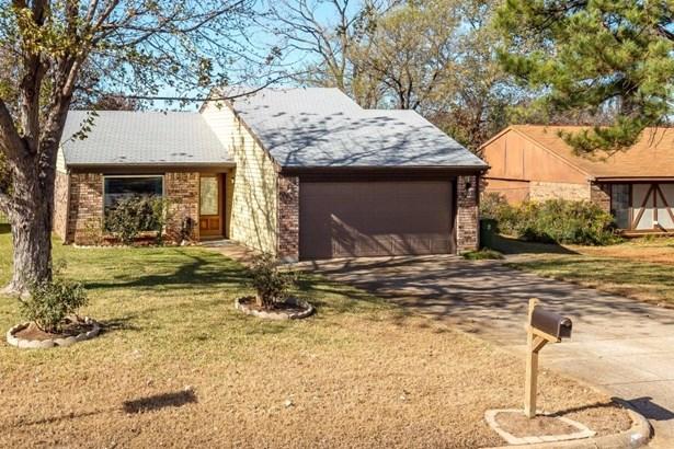 1131 Normandy Drive, Grapevine, TX - USA (photo 3)