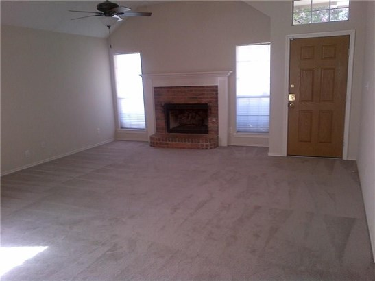 1810 Canoe Way, Carrollton, TX - USA (photo 2)
