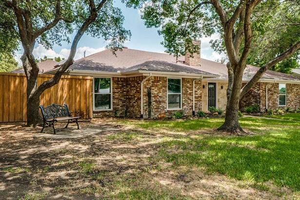 1106 W Lookout Drive, Richardson, TX - USA (photo 2)