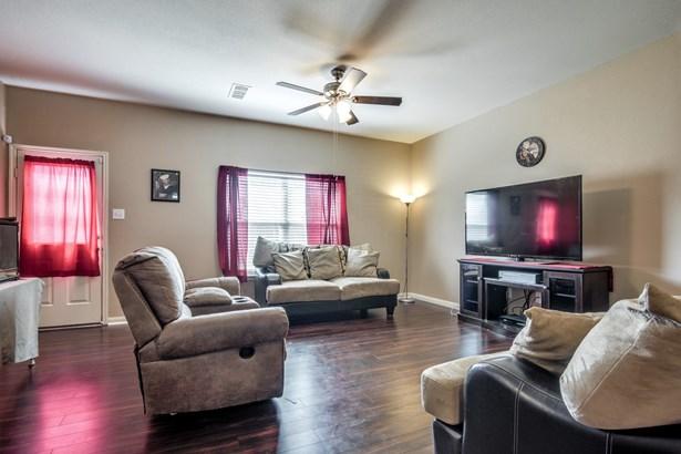1103 First Street, Sanger, TX - USA (photo 5)