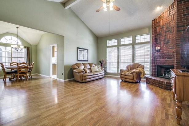 6714 Falcon Street, Rowlett, TX - USA (photo 4)