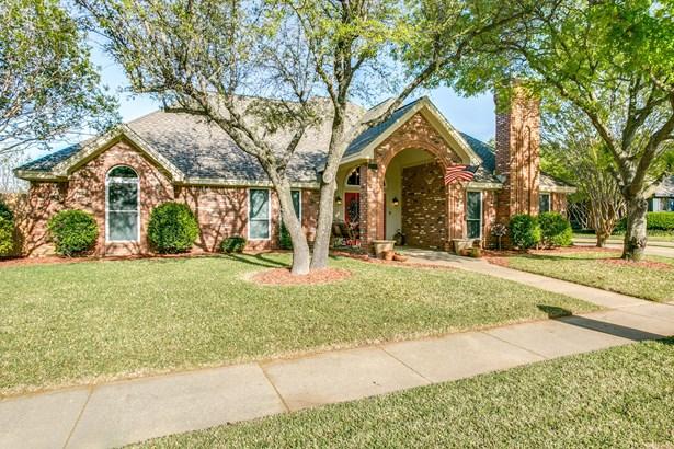 1708 Woodhill Lane, Bedford, TX - USA (photo 1)