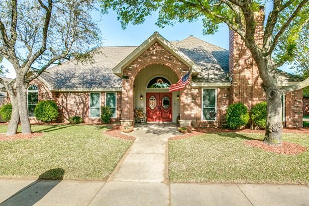 1708 Woodhill Lane, Bedford, TX - USA (photo 2)