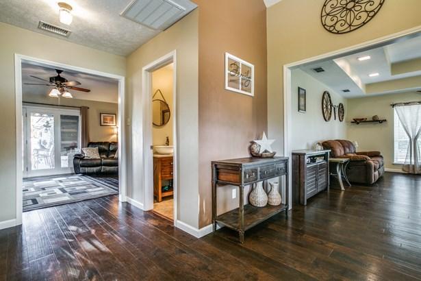 1708 Woodhill Lane, Bedford, TX - USA (photo 5)