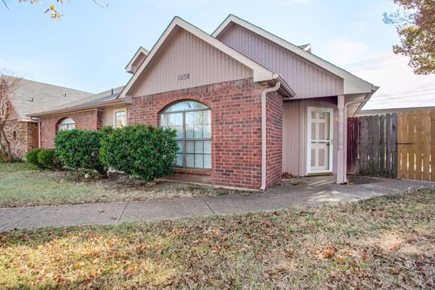 1038 Wilton Drive, Garland, TX - USA (photo 2)