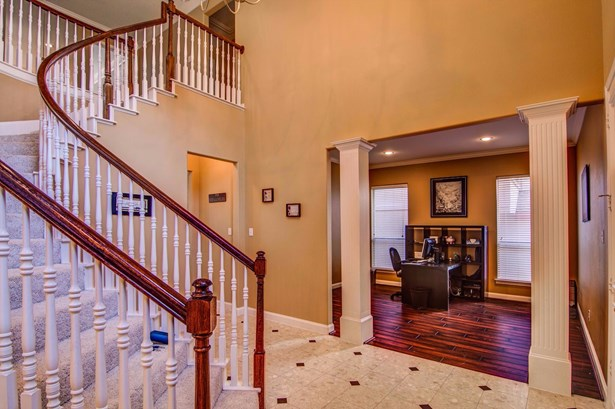 6918 Clear Springs Circle, Garland, TX - USA (photo 2)