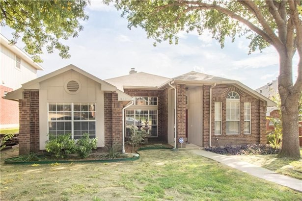 1122 Holly Drive, Carrollton, TX - USA (photo 2)