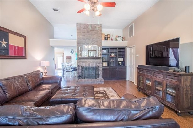 1122 Holly Drive, Carrollton, TX - USA (photo 4)