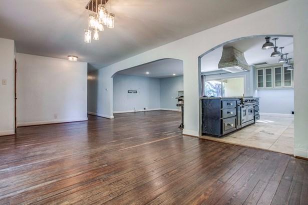 811 Brookhurst Drive, Richardson, TX - USA (photo 5)