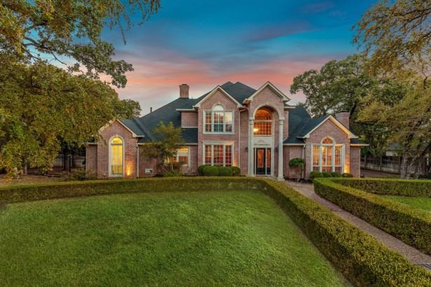 3621 Wooded Creek Circle, Dalworthington Gardens, TX - USA (photo 2)