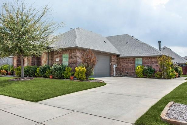 7100 King Ranch Road, North Richland Hills, TX - USA (photo 2)