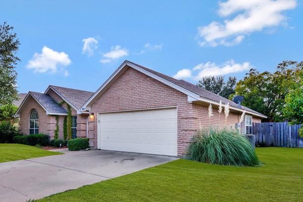 1417 Highland Drive, Mansfield, TX - USA (photo 3)