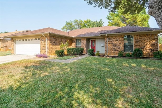 1108 Meadowview Drive, Euless, TX - USA (photo 1)