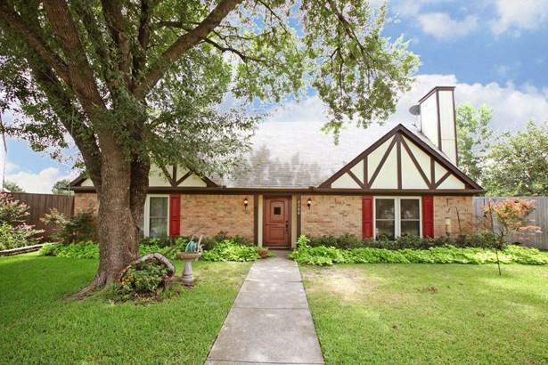 2302 Sweetbriar Court, Mesquite, TX - USA (photo 1)
