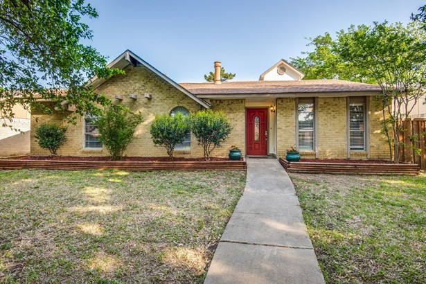 1825 Arundel Drive, Carrollton, TX - USA (photo 2)