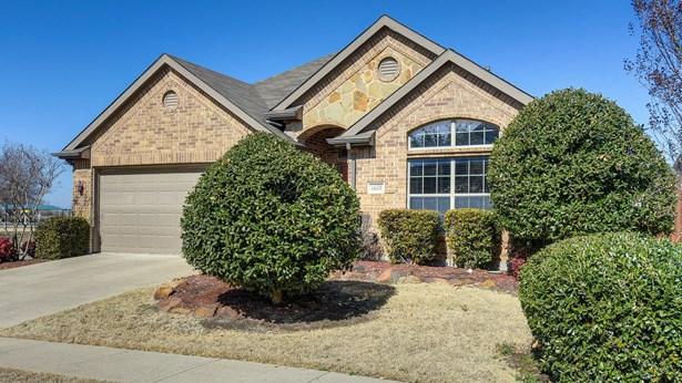 1601 Bluebird Drive, Little Elm, TX - USA (photo 2)
