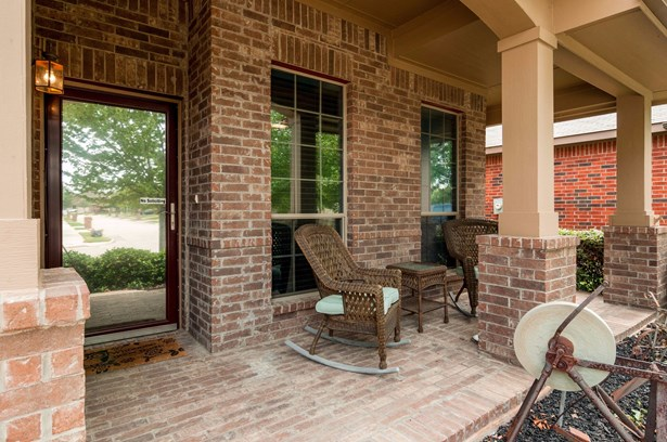 11540 Round Leaf Drive, Fort Worth, TX - USA (photo 2)