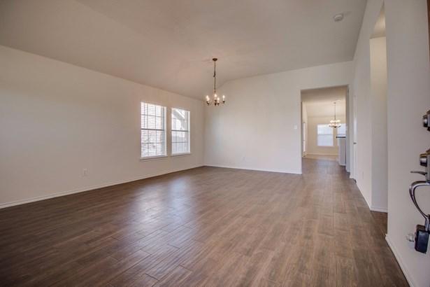 1708 Pena, Royse City, TX - USA (photo 5)