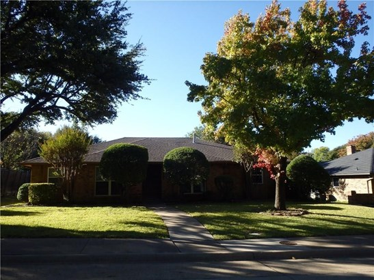 2618 Ramblewood Drive, Carrollton, TX - USA (photo 1)