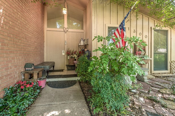 1300 N Cottonwood Drive, Richardson, TX - USA (photo 4)