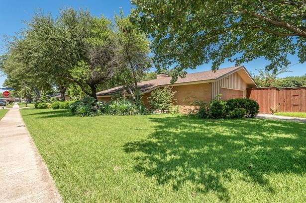 1300 N Cottonwood Drive, Richardson, TX - USA (photo 5)