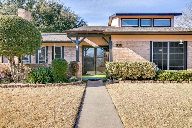 2925 Meadow Park Drive, Garland, TX - USA (photo 3)