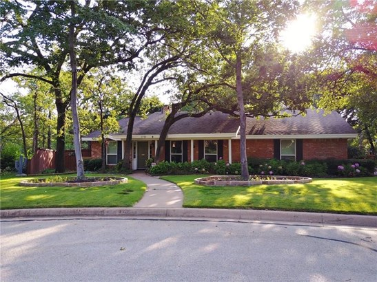1731 Park Ridge Terrace, Arlington, TX - USA (photo 1)