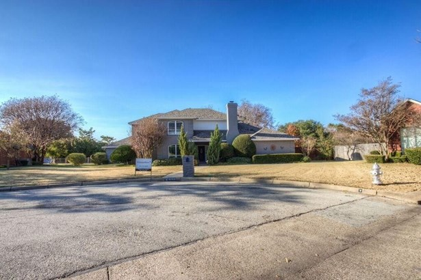 6704 Hillside Drive, Benbrook, TX - USA (photo 1)
