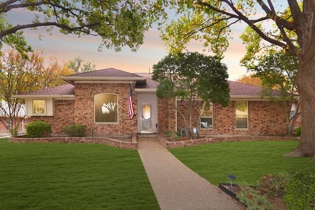 2203 Buttercup Drive, Richardson, TX - USA (photo 1)