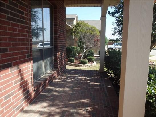 5712 Comanche Peak Drive, Fort Worth, TX - USA (photo 2)
