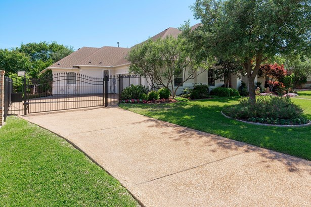 1408 Dream Dust Lane, Keller, TX - USA (photo 2)