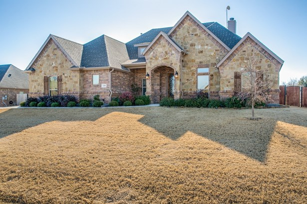 1301 Bluff Springs Drive, Fort Worth, TX - USA (photo 1)