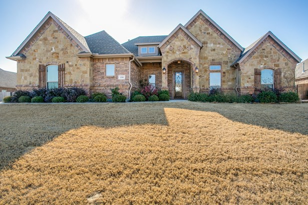1301 Bluff Springs Drive, Fort Worth, TX - USA (photo 2)