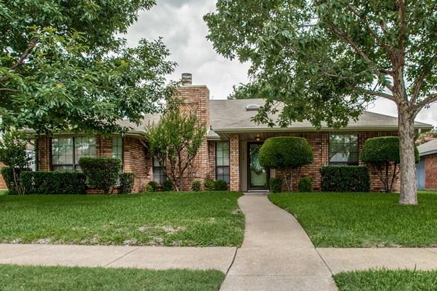 1509 Buena Vista Avenue, Garland, TX - USA (photo 2)