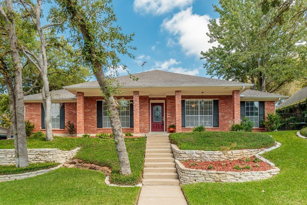 1819 Waterwood Drive, Arlington, TX - USA (photo 1)