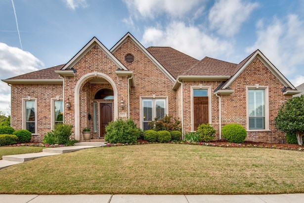 2424 Lady Of The Lake Boulevard, Lewisville, TX - USA (photo 1)