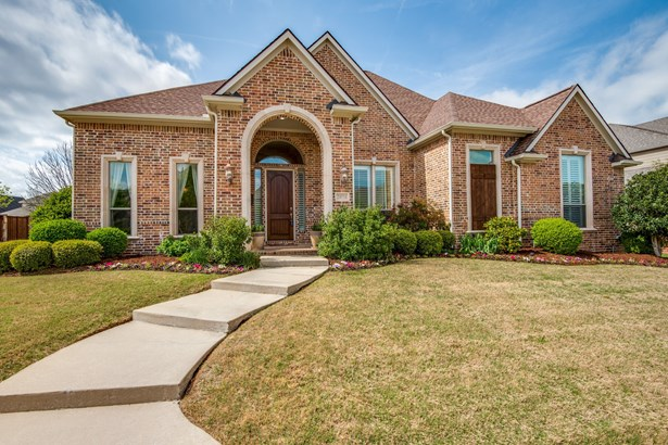 2424 Lady Of The Lake Boulevard, Lewisville, TX - USA (photo 2)