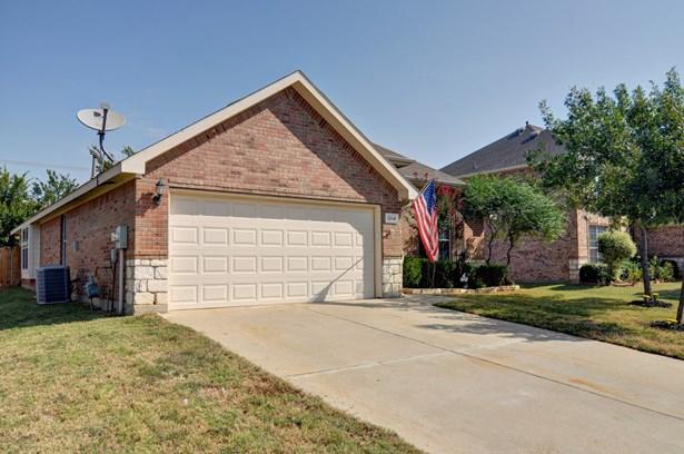 1214 Kynette Drive, Euless, TX - USA (photo 2)
